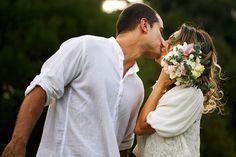 """Ensaio de noivos da Larissa e do Rodrigo que aconteceu numa tarde de sol no Parque São Lourenço em Curitiba. Em breve o post do casamento """" homemade"""" deles :D ..."""