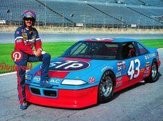 Richard Petty and his Pontiac Nascar Race Cars, Old Race Cars, Us Cars, Richard Petty, King Richard, Nascar Costume, Pontiac Grand Prix, Drag Racing, Auto Racing