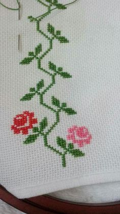 This Pin was discovered by Efe Cross Stitch Rose, Cross Stitch Borders, Cross Stitch Flowers, Cross Stitch Designs, Cross Stitching, Cross Stitch Embroidery, Cross Stitch Patterns, Flower Embroidery Designs, Silk Ribbon Embroidery