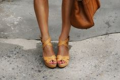 love the colour and the tanned leg mix with leather - feels summery
