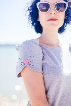 "DIY Inspiration:  Kitty Cat Sleeve ""Italians do it better""  