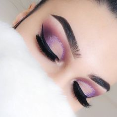 #eotd @rxycosmetics glitter purple reign @certifeye lashes comet  @crystaleyesuk glitter glue (perf for creating glitter liners) #morphe 35p palette #nyc black liquid eyeliner #anastasiabeverlyhills brow pomade ebony & definer dark brown