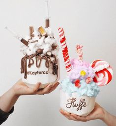 Uploaded by QUEEN. Find images and videos about food, sweet and chocolate on We Heart It - the app to get lost in what you love. Cute Desserts, Delicious Desserts, Yummy Food, Cute Food, I Love Food, Yummy Treats, Sweet Treats, Smothie, Tumblr Food