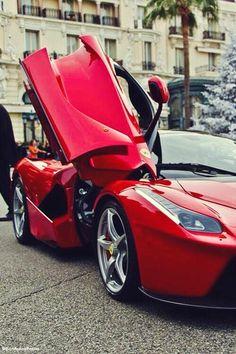 """""""@SonAutosPorno: La ferrari pic.twitter.com/zT6akWlofq""""Que pensaría."""" Enzo Ferrari de la evolución de su Escudería!"""