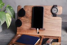 5 year anniversary gifts for men,Docking Station,Phone dock station,Wood docking station,Charging st - Modern Wall Clock Hanging, Wall Clock Gift, Rustic Wall Clocks, Unique Wall Clocks, Wooden Phone Holder, Wooden Wedding Guest Book, 5 Year Anniversary Gift, Diy Projects For Beginners, Docking Station