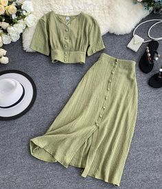 Teen Fashion Outfits, Mode Outfits, Look Fashion, Korean Fashion, Fashion Dresses, Fashion Women, Long Skirt Fashion, Long Skirt Outfits, Fashion Sale