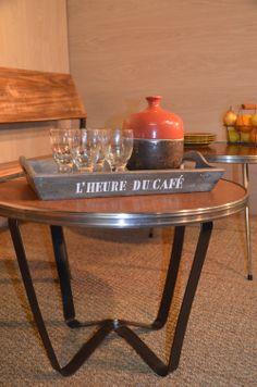 Table basse bistrot, table basse bois et métal, table vintage, table rétro, table bistrot. hewel-mobilier.com