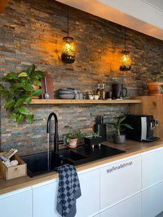 Farmhouse Style Kitchen, Home Decor Kitchen, Kitchen Interior, Home Kitchens, Kitchen Design, Loft Design, House Design, Living Room Goals, New Home Designs