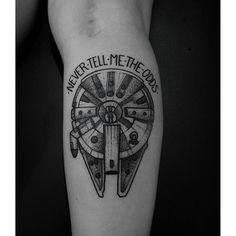 50 Millennium Falcon Tattoo Designs For Men Star Wars Ideas - Star Wars Men - Ideas of Star Wars Men - Guys Tattoos With Millennium Falcon Design Star Wars Tattoo, Tatoo Star, War Tattoo, Time Tattoos, Body Art Tattoos, Sleeve Tattoos, Tattoos For Guys, Tatoos, Guy Tattoos