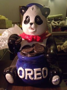 Oreo Cookie Jar made by Block China for Nasbisco in China, another ad jar that is very collectable Kinds Of Cookies, Cute Cookies, Oreo Cookies, Teddy Bear Cookies, Teddy Bears, Antique Cookie Jars, Cookie Monster, Canisters, Tins