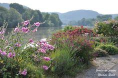 Jardin du peintre Michèle Ratel à Poses