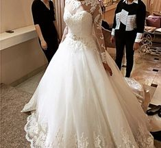 Wedding Dresses : M_1537