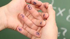 Aprenda a fazer tabuada brincando e se divertindo com os dedos de sua mãos. Esse passo a passo de como fazer essas contas de multiplicação com os dedos, vai deixar o aprendizado muitas mais fácil e rápido.