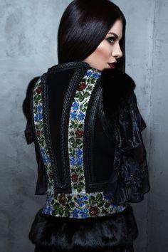 Осень-Зима 16-17 – Roksolana Bogutska Folk Fashion, Ethnic Fashion, Hijab Fashion, Luxury Fashion, Fashion Outfits, Womens Fashion, Ukraine Women, Winter Chic, Traditional Fashion
