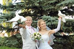 Funny Wedding Photos Funny Wedding Photos - 12 Pictures - Very interesting post: Funny Wedding Photos - 12 Pictures. Also dompiсt.сom lot of interesting things on Funny Pictures. Worst Wedding Photos, Awkward Wedding Photos, Awkward Photos, Wedding Pictures, Wedding Fail, Wedding Humor, Our Wedding, Wedding Ideas, Tacky Wedding