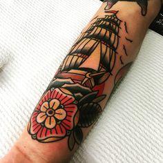 ⛵️ shannonhodgkin@gmail.com for appointment info, thanks! #tattoo #melbourneart #melbournetattoo #shiptattoo #boldandbright #traditionaltattoo #titanic