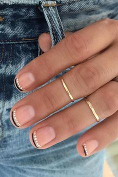 """French Moon"" Nail Art Is the Dark New Twist on the Classic French Manicure - - ""French Moon"" Nail Art is the Dark New Twist on the Classic French Manicure Nail Design Stiletto, Nail Design Glitter, Minimalist Nails, Gel Nails, Acrylic Nails, Nail Polish, Coffin Nails, Cute Nails, Pretty Nails"