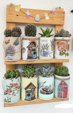 The second Sunday in May is already coming and you still don't know how to give your mom a gift? THE kit for Mother's Day it is a very interesting idea, Tin Can Crafts, Clay Pot Crafts, Diy And Crafts, Metal Crafts, Succulent Planter Diy, Diy Planters, Paint Garden Pots, Tin Can Art, Recycled Tin Cans