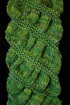 Gathered Scarf. Knitting. Beginner. Free Pattern.