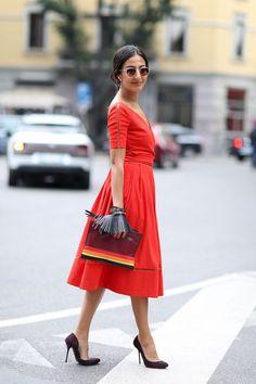Red short-sleeve dress