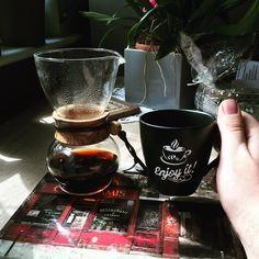 Piątek piąteczek Columbia Nariño budzi mnie  #hario #coffee #thecoffeelifestyle #brewslow #manualbrew #woodneck #hariowoodneck #hariodrippot #hariodripper #baristadaily #alternativebrewing #brewedcoffee #thecoffeelifestyle #coffeegeek #coffeelover #blackcoffee #kawa #manualbrewing #drip #dripper #coffeedrip #coffeedripper #coffeedesk http://ift.tt/20b7VYo