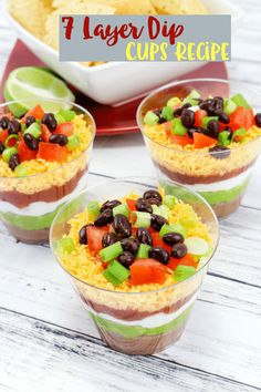 Layered Taco Dip Cups Recipe These fun layered taco dip cups are the perfect appetizer for any festive party. They are individual servings, just add tortilla chips! 7 Layer Taco Dip, Seven Layer Dip, Dip Recipes, Mexican Food Recipes, Appetizer Recipes, Mexican Salads, Oven Recipes, Salad Recipes, Super Bowl