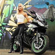 Kawasaki Ninja with sexy girl. Yum my favorite