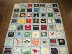 Ideas For Baby Clothes Blanket Diy Memory Quilts Etsy Baby Memory Quilt, Baby Quilts, Memory Quilts, Quilting For Beginners, Sewing For Beginners, Quilting 101, Quilting Board, Recycle Old Clothes, Diy Clothes