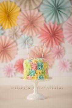 Pinwheels birthday theme | Jessica Nip Photography | Cake Smash Session in Toronto, Canada | www.jessicanip.com | info@jessicanip.com