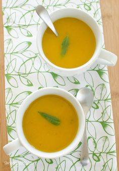 Butternut Squash Soup - Dairy Free, Gluten Free, Slimming World, Weight Watchers, Paleo and friendly soup soup soup healthy recipes froide legumes minceur potimarron Wrap Recipes, Diet Recipes, Cooking Recipes, Healthy Recipes, Healthy Soup, Slimming World Soup Recipes, Mustard Bbq Sauce, Soup Starter, Weights