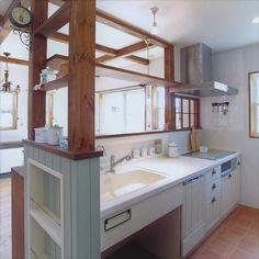 いいね!871件、コメント3件 ― satomuraさん(@satomura_koumuten)のInstagramアカウント: 「自然素材ナチュラルなおうち タイル天板のオーダーメイドキッチン シンク下はごみ箱スペースで使いやすいですよ! 可愛く作るオーダーメイド住宅 ナチュラル雑貨屋フラン…」 Kitchen Interior, Kitchen Decor, Kitchen Island, Kitchen Sink, Japanese Apartment, Style Japonais, Household Chores, My Room, Ideal Home
