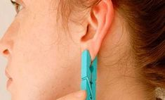 Ear reflexology with a clothes pin! Cold And Cough Remedies, Headache Remedies, Hair Remedies, Skin Care Remedies, Acne Remedies, Health Remedies, Holistic Remedies, Natural Home Remedies, Ear Reflexology