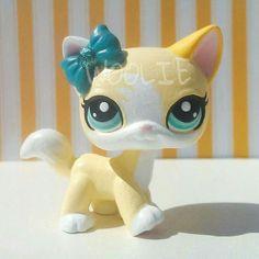 CUSTOM HAND PAINTED Littlest pet shop Cassie yellow white blonde cat LPS OOAK