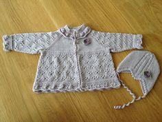 Jakke og lue (str 0-3 mnd), barselgave til kollega, strikket i Dale Babyull og mønster