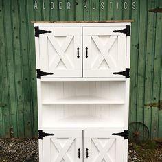 Corner cabinet with pizzazz #alderrustics    http://www.ana-white.com/2010/12/plans/corner-cupboard