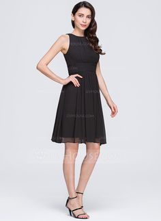 A-Line/Princess Scoop Neck Knee-Length Chiffon Bridesmaid Dress With Ruffle (007074679)