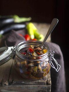 Μελιτζάνες καπονάτα | ΑΛΜΥΡΕΣ ΣΥΝΤΑΓΕΣ | Call the Cook Greek Salad, Allrecipes, Pickles, Cucumber, Salads, Food And Drink, Cooking, Recipes, Salad