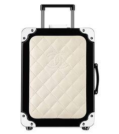 Minaudière valise en résine, agneau et laiton chanel