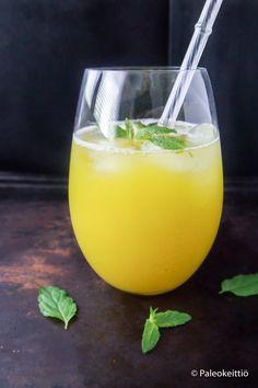 Kesän makein mocktail ananaksesta /// Koska kesää on vielä jäljellä ja ananas sesongissa, niin mikäs sen maittavampi ja helpompi tapa nauttia loppukesästä kuin loihtia virkistävä, sitruunalla ja mintulla maustettu ananas mocktail!…