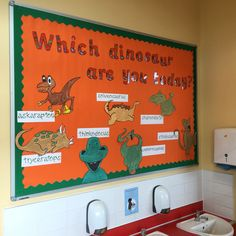 Characteristics of effective learning display eyfs (autumn activities for kids eyfs) Display Boards For School, School Displays, Classroom Displays, Eyfs Classroom, Classroom Activities, Classroom Ideas, Characteristics Of Learning Display, Nursery Display Boards, Dinosaurs Eyfs