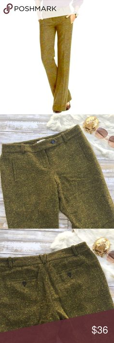 """Ann Taylor LOFT Kelly Green Marisa Trouser 10p Ann Taylor Loft Marisa style trousers in Kelly green. Size 10 petite. Wool blend. Fully lined. Wide Leg fit. Gorgeous color scheme gives an awesome 70's vibe. Pair with a yellow top and wedges for a show stopping. Stand out look. 17.5"""" waist. 10"""" rise. 29"""" inseam.  •I don't swap/trade •I don't do holds  •I rarely model due to the fact that I don't fit all items.  •I price with shipping in mind  •I am open to reasonable negotiations  •Bundle for…"""