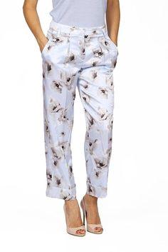 Multi Color 36 IT - 0 US Armani Collezioni ladies trousers 017 Trousers Women, Pants For Women, Ladies Pants, Alexa Skills, Capri, Pajama Pants, Lady, How To Wear, Color
