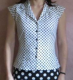 Sewing patterns blouse projects new ideas Short Kurti Designs, Kurti Neck Designs, Blouse Designs, Fall Fashion Outfits, Fashion Dresses, Sewing Blouses, Fancy Tops, Short Tops, Blouse Dress