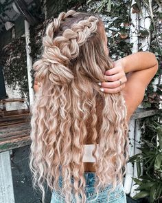 Teen Hairstyles, Wedding Hairstyles, Cute Fall Hairstyles, Athletic Hairstyles, Braid And Curls Hairstyles, Picture Day Hairstyles, Halo Hairstyle, Mermaid Hairstyles, Half Braided Hairstyles