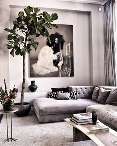 Wohnzimmer chic living space Rustic Home Decor Makes a Comeback Gone are the sleek, cold lines of ul Living Room Sofa, Living Room Interior, Home Living Room, Home Interior Design, Living Room Furniture, Living Room Designs, Living Room Decor, Living Spaces, Apartment Living