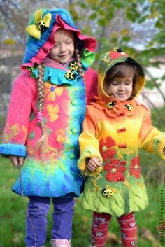 Surely even in russia kids would be embarassed to be dressed like this Nuno Felting, Needle Felting, Textile Fiber Art, Fibre Art, Cool Coats, Felt Fabric, Fabric Manipulation, Felt Art, Wearable Art