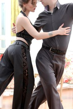 Elengant and comfortable custom made tango pants for ladies. Please, send us the following measures: *height *waist around *hips around It is just that easy to have the perfect fitting pants :)! Dont hesitate to contact us in case you might have any questions! It will be a pleasure for us to answer and assist you