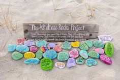 Kindness Rocks - How rock painting is uniting folks & families nationwide. Rock painting groups are popping up across the country. Here's why you may want to be on the lookout for their colorful creations. Rock Painting Patterns, Rock Painting Ideas Easy, Rock Painting Designs, Painting Words, Stone Painting, Painting Videos, Painting Quotes, Painting Art, Sharpies