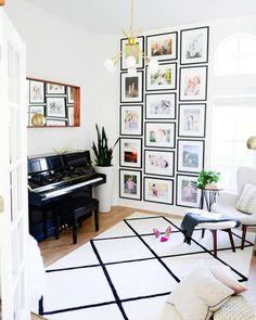 "Design Home no Instagram: ""Tall ceilings = more wall art! We are loving this design by @MandyChengDesign. Photo Credit: @HoneyLakeStudio via @HomePolish"""