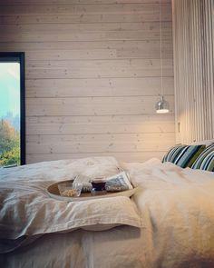 #bedroomdecor #bedroom #bedroomdesign #homeinspiration #bedroomgoals #masterbedroom Interior Design Living Room, Living Room Decor, Bedroom Decor, Scandinavian Style, Sustainable Design, Neutral Colors, Design Trends, Master Bedroom, Kitchen Decor